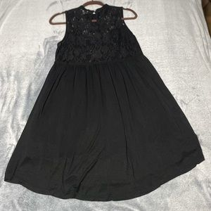 UMGEE black lace babydoll dress size small (fits medium). Excellent condition
